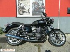 Triumph Bonneville inny 0.9